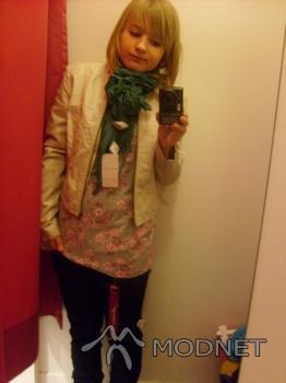 Jeansy Orsay, Galeria Jastrzębie Jastrzębie-Zdrój; Bluzka Orsay, Galeria Jastrzębie Jastrzębie-Zdrój; Kurtka Orsay, Galeria Jastrzębie Jastrzębie-Zdrój; Apaszka Orsay, Galeria Jastrzębie Jastrzębie-Zdrój