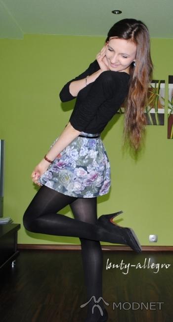 Spódnica Second Female, http://www.allegro.pl; Bluzka 100% Fashion, Auchan Zielona Góra; Pasek 100% Fashion, Carrefour Zielona Góra