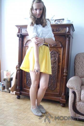 Spódnica Sag, http://www.allegro.pl; Bluzka Sag, http://www.allegro.pl