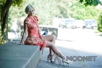 Sukienka 100% Fashion, Fashion Kruszwica; Sandały CCC, Galeria Pomorska Bydgoszcz