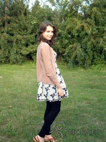 Sweter Atmosphere, Tani Ciuszek Łuków; Sukienka George, Tani Ciuszek Łuków