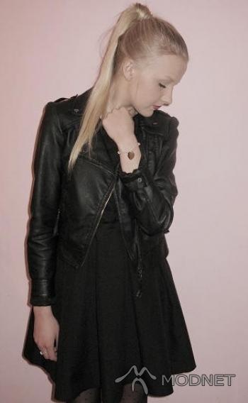 Sukienka, http://www.allegro.pl; Bransoleta Lilou, http://www.lilou.pl