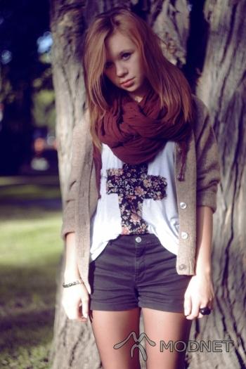 Sweter Zara, Second Hand Siemiatycze; Bluzka NO NAME, Second Hand Siemiatycze