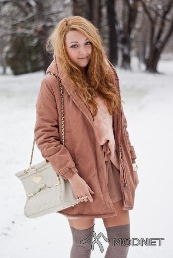 Torebka, http://www.marcb.com/; Spódnica Oasap, http://www.oasap.com; Sweter, http://www.ianywear.com/; Kurtka Sheinside, http://www.sheinside.com