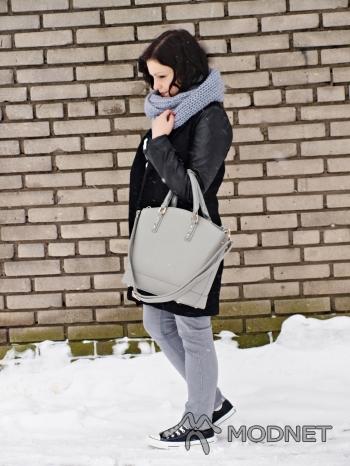 Spodnie NO NAME, http://www.allegro.pl; Płaszcz Sheinside, http://www.allegro.pl