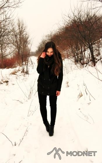Sweter Zara, Echo Kielce; Spodnie H&M, Echo Kielce