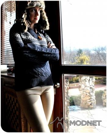 Sweter Zara, Galeria Krakowska Kraków; Spodnie Stradivarius, Galeria Krakowska Kraków; Czapka NO NAME, http://www.allegro.pl