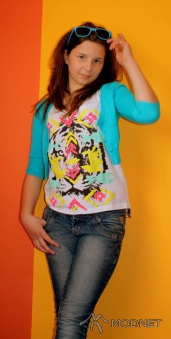 T-shirt Modo, Galeria Leszno Leszno; Sweter House, Galeria Leszno Leszno