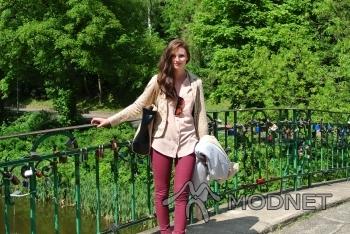 Spodnie Bershka, Galeria Bałtycka Gdańsk; Koszula New Look, Second Hand Gdańsk; Torebka Reserved, Galeria Bałtycka Gdańsk