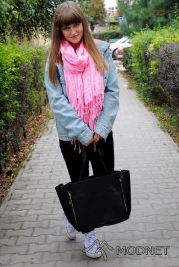Torebka noname, http://www.dresslink.com/; Szal H&M, H&M Lublin