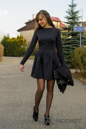 Sukienka jestesmodna, http://jestesmodna.pl; Botki Deichmann, Deichmann Katowice