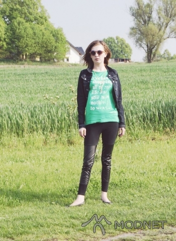T-shirt Sinsay, Karolinka Opole; Okulary Sinsay, Karolinka Opole