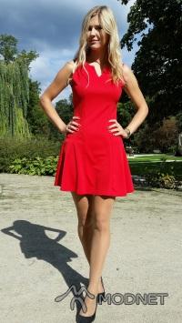 Sukienka newdress, http://www.newdress.com/; Szpilki Czas na buty, http://www.czasnabuty.pl