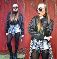Bluza 100% Fashion, Second Hand Lublin; Szorty 100% Fashion, Second Hand Puławy