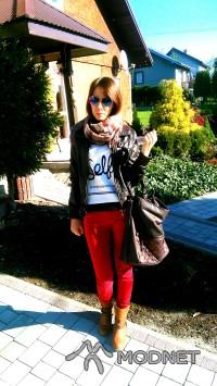 Apaszka noname, DORA Brzesko; Bluza made in China, http://www.dresslink.com/; Spodnie H&M, Dyskont oOdzieżowy Tarnów