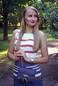 Sukienka Sobora, http://sobora.com.pl; Torebka Mango, http://answer.com